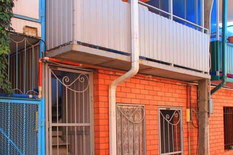Сдается 1-комнатная квартира посуточно в Ейске, улица Рабочая, 2.
