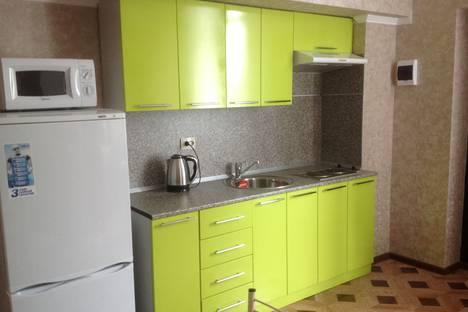 Сдается 2-комнатная квартира посуточно в Сочи, улица Волжская, 77.