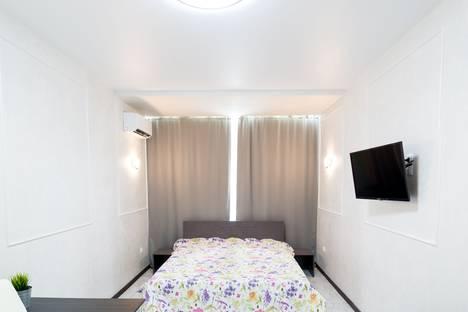 Сдается 1-комнатная квартира посуточно в Кургане, 4-й микрорайон,  дом 10.