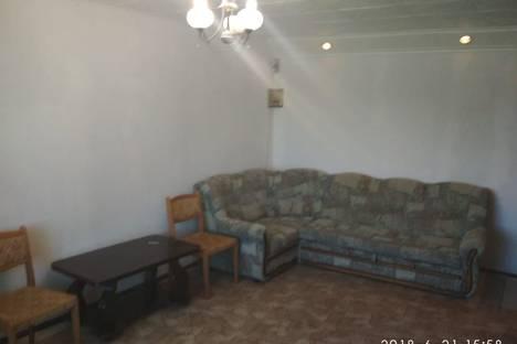 Сдается 1-комнатная квартира посуточно в Яровом, квартал Б, 10.
