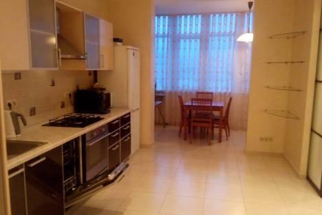 Сдается 1-комнатная квартира посуточно в Адлере, улица Ромашек, 6.