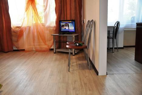 Сдается 2-комнатная квартира посуточно в Тюмени, улица Пермякова, 8.