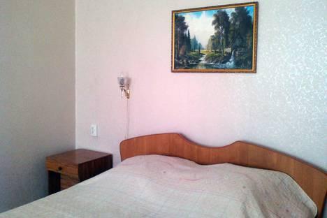 Сдается 1-комнатная квартира посуточно в Таганроге, ул. Инструментальная 15-4.