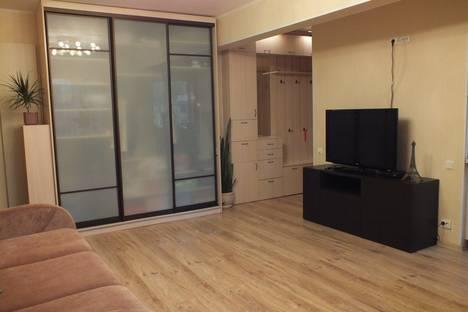 Сдается 1-комнатная квартира посуточнов Санкт-Петербурге, Новочеркасская, Шаумяна 85.
