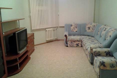 Сдается 2-комнатная квартира посуточно в Нижневартовске, ул. Героев Самотлора д. 21.
