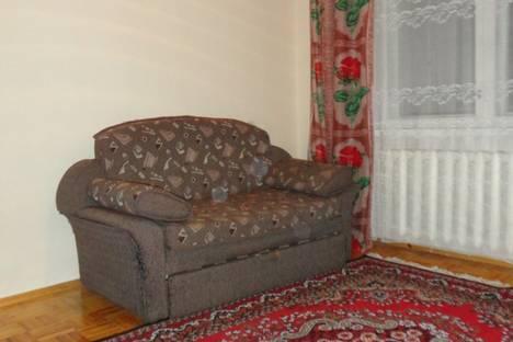 Сдается 2-комнатная квартира посуточно в Орле, советская 17.