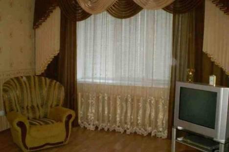 Сдается 1-комнатная квартира посуточно в Назарове, Карла Маркса 24.