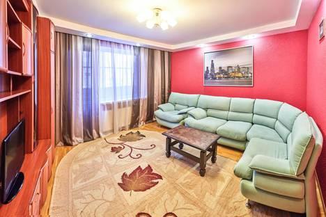Сдается 3-комнатная квартира посуточнов Кургане, Карельцева 115.