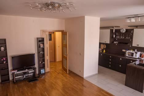 Сдается 2-комнатная квартира посуточно в Тюмени, М.Горького 68 к2.