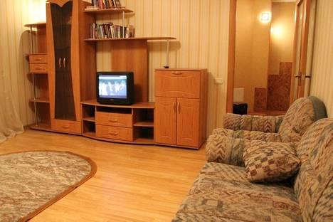 Сдается 3-комнатная квартира посуточно, Попова 143.