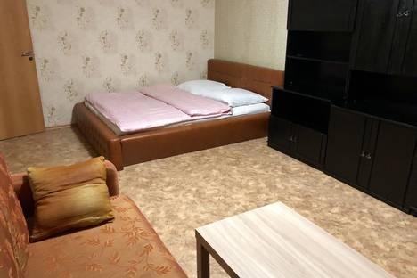 Сдается 2-комнатная квартира посуточно в Череповце, Городецкая 15.