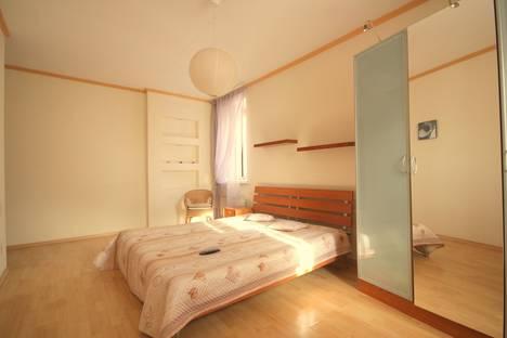 Сдается 3-комнатная квартира посуточнов Казани, Баумана 24.