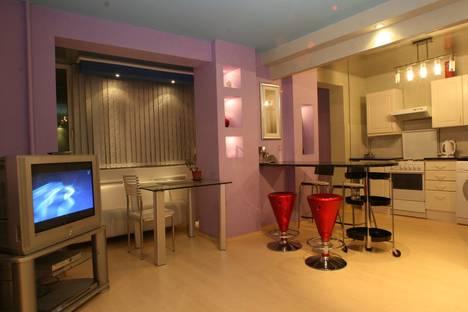 Сдается 2-комнатная квартира посуточнов Екатеринбурге, Белинского 121.
