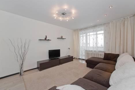 Сдается 2-комнатная квартира посуточно в Челябинске, Цвиллинга 88а.