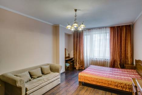 Сдается 1-комнатная квартира посуточнов Азове, Лермонтовская 48.