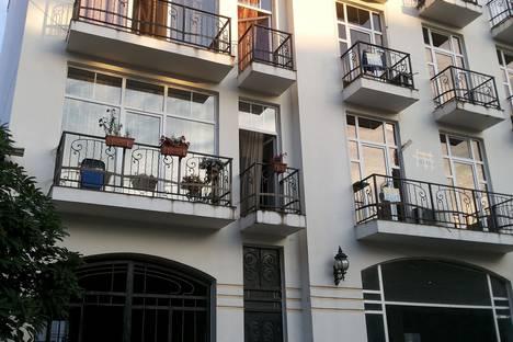 Сдается 3-комнатная квартира посуточно, Batumi, Kldiashvili Street.
