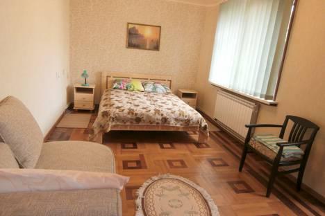 Сдается 1-комнатная квартира посуточно в Ялте, улица Таврическая, 5/2.