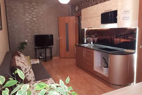 Сдается 1-комнатная квартира посуточно в Челябинске, улица Скульптора Головницкого, 32.