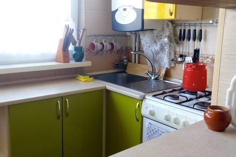 Сдается 2-комнатная квартира посуточно в Алуште, Крым,ул. Октябрьская 40.