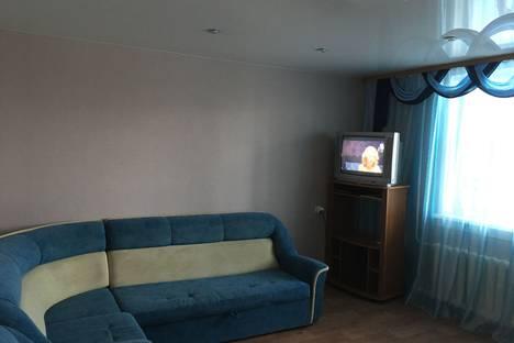 Сдается 2-комнатная квартира посуточно, квартал А, 35.