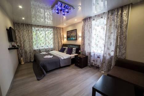 Сдается 1-комнатная квартира посуточно в Омске, бульвар Победы, 10.