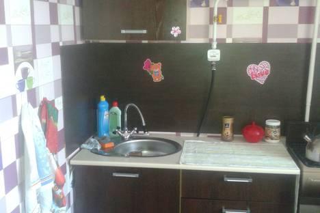 Сдается 2-комнатная квартира посуточно в Яровом, квартал В дом 21.