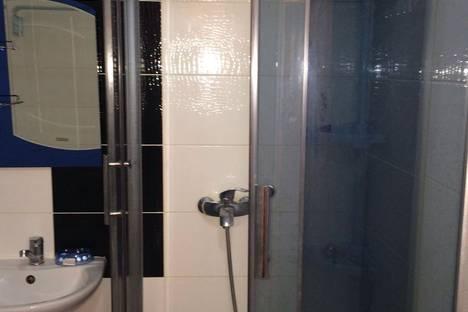 Сдается 1-комнатная квартира посуточно в Алматы, улица Казыбек Би, 125.
