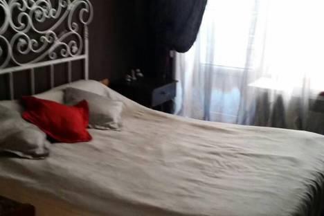 Сдается 3-комнатная квартира посуточно в Тольятти, улица Ушакова, 46.