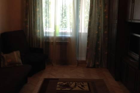 Сдается 2-комнатная квартира посуточно в Пушкине, улица Генерала Хазова д.5.
