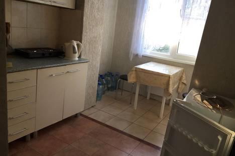 Сдается 2-комнатная квартира посуточно, улица Агрба, 1.