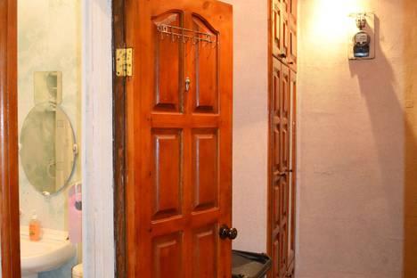 Сдается 1-комнатная квартира посуточно в Шахтах, улица Халтурина, 70.