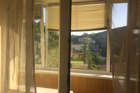 Сдается 1-комнатная квартира посуточно в Балаклаве, Севастополь, Башенная улица, 11.