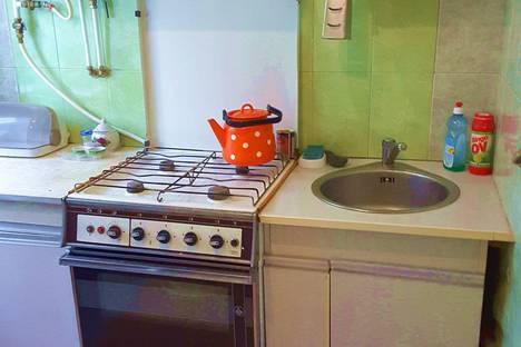 Сдается 2-комнатная квартира посуточно в Феодосии, Советская улица, 21.