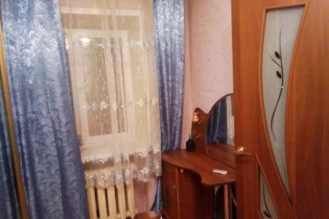 Сдается 2-комнатная квартира посуточно в Кирове, улица Циолковского, 7.