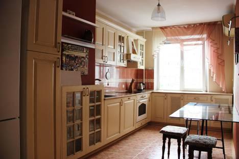 Сдается 3-комнатная квартира посуточно в Краснодаре, улица Красных Партизан, 4/3, подъезд 1.