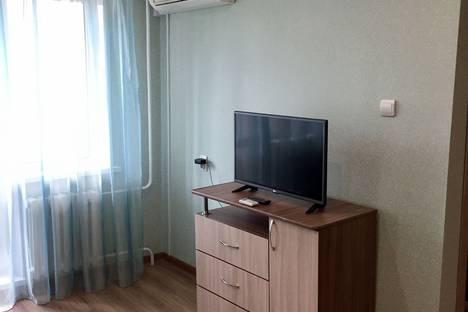 Сдается 1-комнатная квартира посуточно в Челябинске, улица Энгельса.