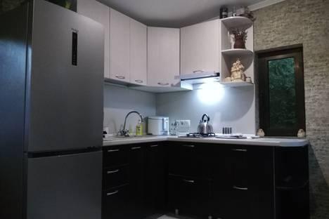 Сдается 1-комнатная квартира посуточно в Туапсе, улица К. Маркса, 25.