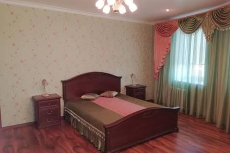 Сдается 2-комнатная квартира посуточно в Саранске, Коммунистическая улица, 87.