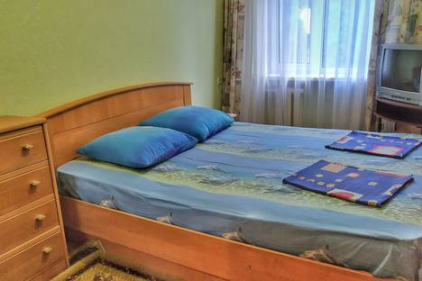 Сдается 2-комнатная квартира посуточно в Алуште, улица Ленина, 48.