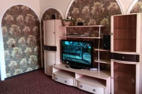 Сдается 1-комнатная квартира посуточно в Нефтеюганске, микрорайон 13, 13 дом.