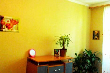 Сдается 1-комнатная квартира посуточно в Феодосии, ул. Галерейная, 15.