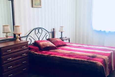 Сдается 3-комнатная квартира посуточно в Новороссийске, Южная улица, 27.