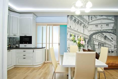 Сдается 2-комнатная квартира посуточно в Сургуте, Сибирская улица, 15.