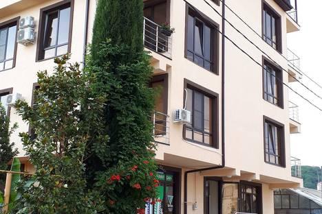 Сдается 1-комнатная квартира посуточнов Красной Поляне, пер. Кувшинок, 8.