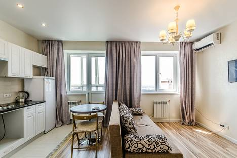 Сдается 1-комнатная квартира посуточно в Самаре, проспект Карла Маркса 4б.