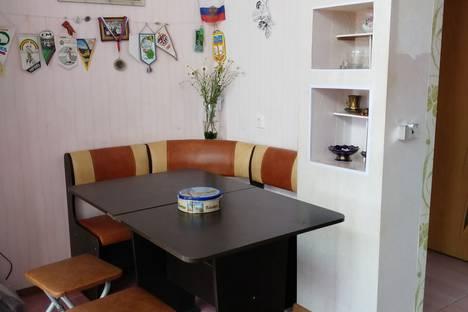 Сдается 1-комнатная квартира посуточно в Адлере, Большой Сочи, улица Изумрудная, 40.