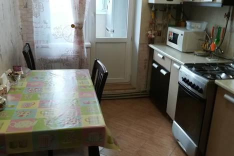 Сдается 3-комнатная квартира посуточно в Керчи, улица Ульяновых, 33.