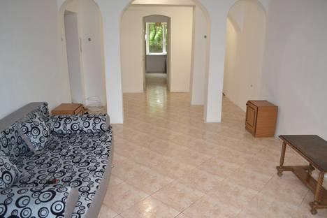 Сдается 2-комнатная квартира посуточно в Каменце-Подольском, Кам'янець-Подільський, вулиця Патріарха Мстислава, 9.