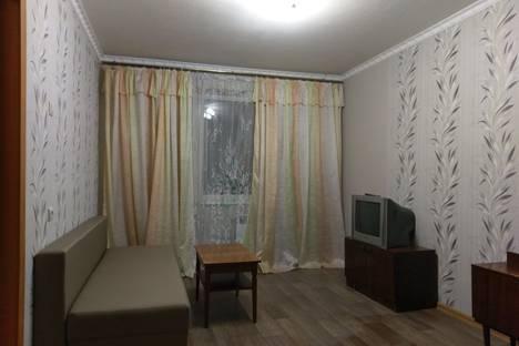 Сдается 2-комнатная квартира посуточно в Комсомольске-на-Амуре, улица Калинина, 37.