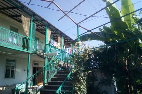 Сдается коттедж посуточно в Пицунде, с. Лдзаа ул. Апсны 55.